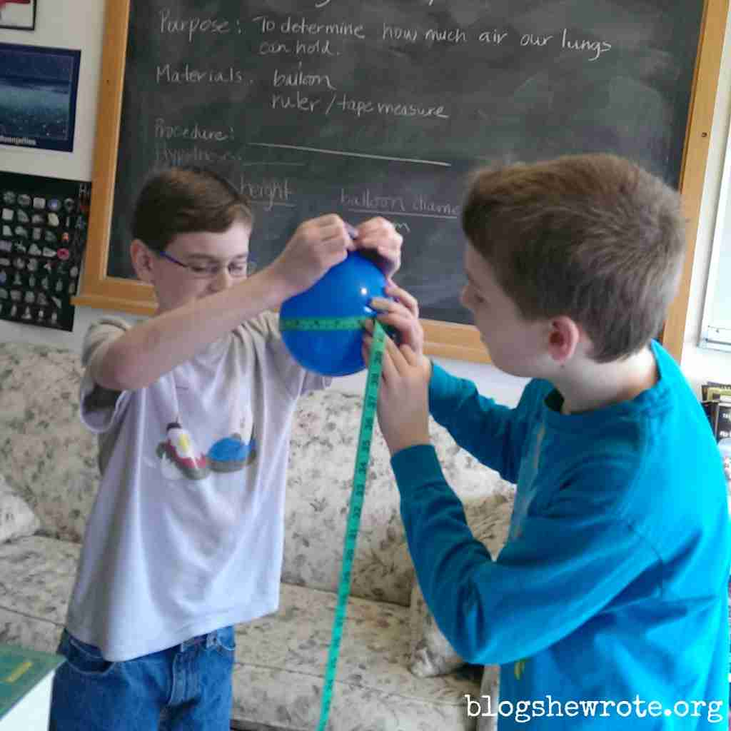 Science Quest Measuring Lung Capacity